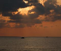 Bataken Ufukta Bir Akşam Güneşi ....