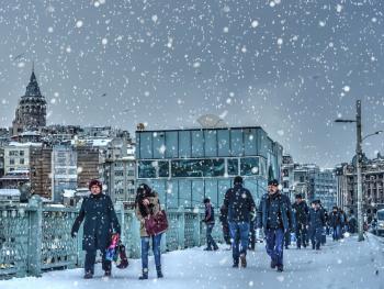 Beyaz'ınla bir başka güzelsin İstanbul..