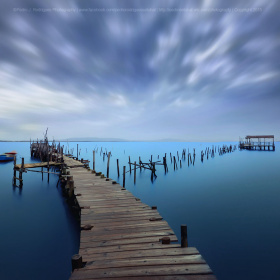 Jetty on stilts