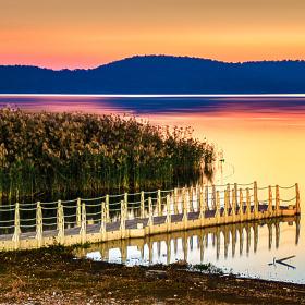 Göl Kıyısı