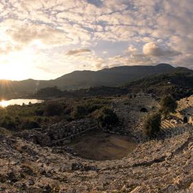 Kaunos Antik Tiyatro