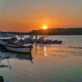 Tekneler ve Günbatımı