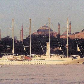 yelkenli ve camiler