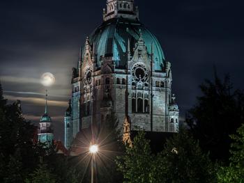 Full Moon New Town Hall Hanover