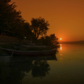 Gölyazı Gün Doğarken