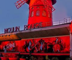 Paris Moulin Rouge Kabaresi..