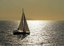 Bir Gemi Kalkar Bu Limandan