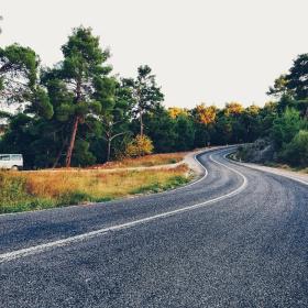 Yollar kıvrım kıvrım
