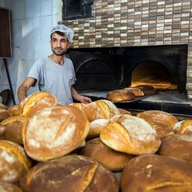 Emek en yüce değer, ekmek en kutsal nimettir.