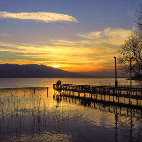 Göl Kıyısı...