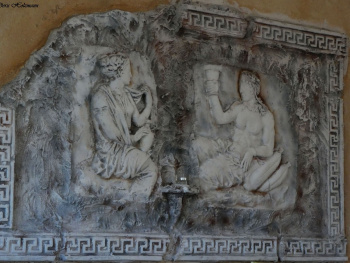 Wanddekoration in einem griechischen Lokal