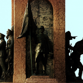 Taksim Cumhurriyet Anıtı