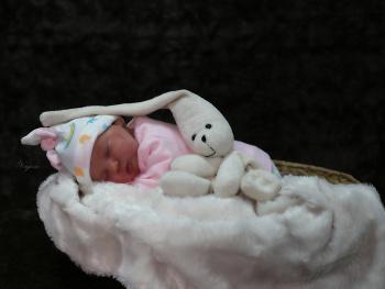 Esila bebek