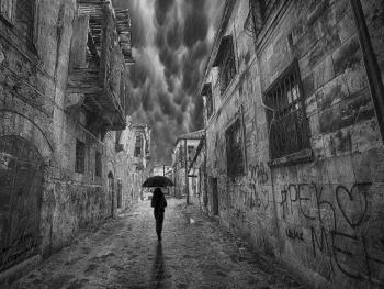 Yağmur Gibi Sev Beni Kaçmak Mümkün Olmasın...