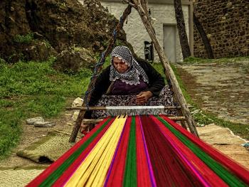 dokumacı kadın