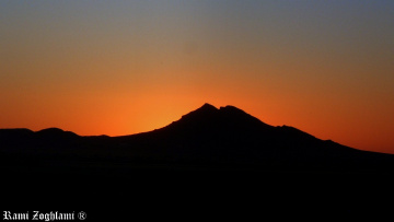 Sunset in Black and Orange mode