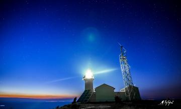 Deniz Feneri , Tan ağartısı  & Yıldızlar