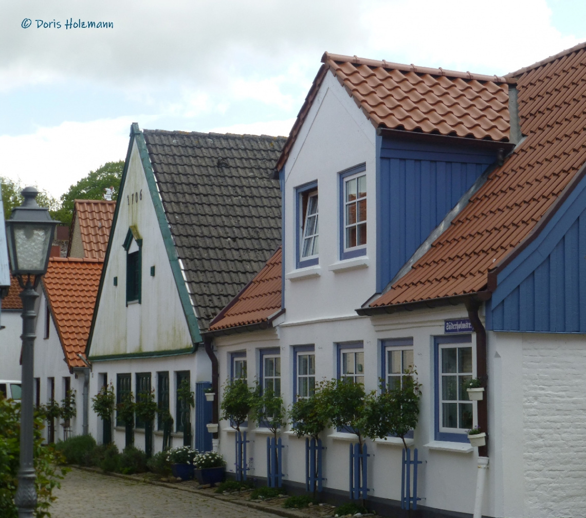 Houses in the fishermen's quarter (Holm)