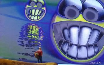 Miniciks Hayatlar  Gülümseyin