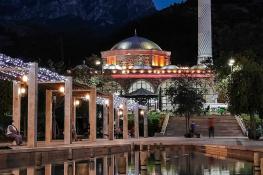 Manisa Hatuniye Camii ve Spil Dağı